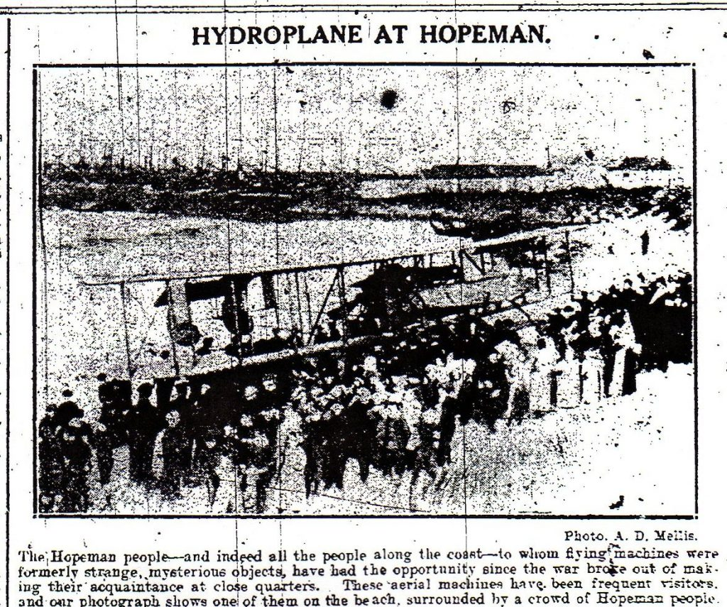 1914 - Hydroplane on West beach