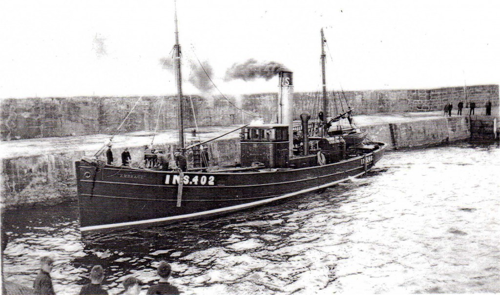 1929- SD EMBRACE leaving Hopeman Harbour