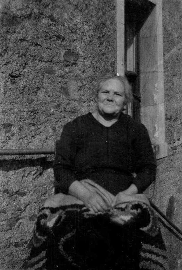 1935 -Mary Smith