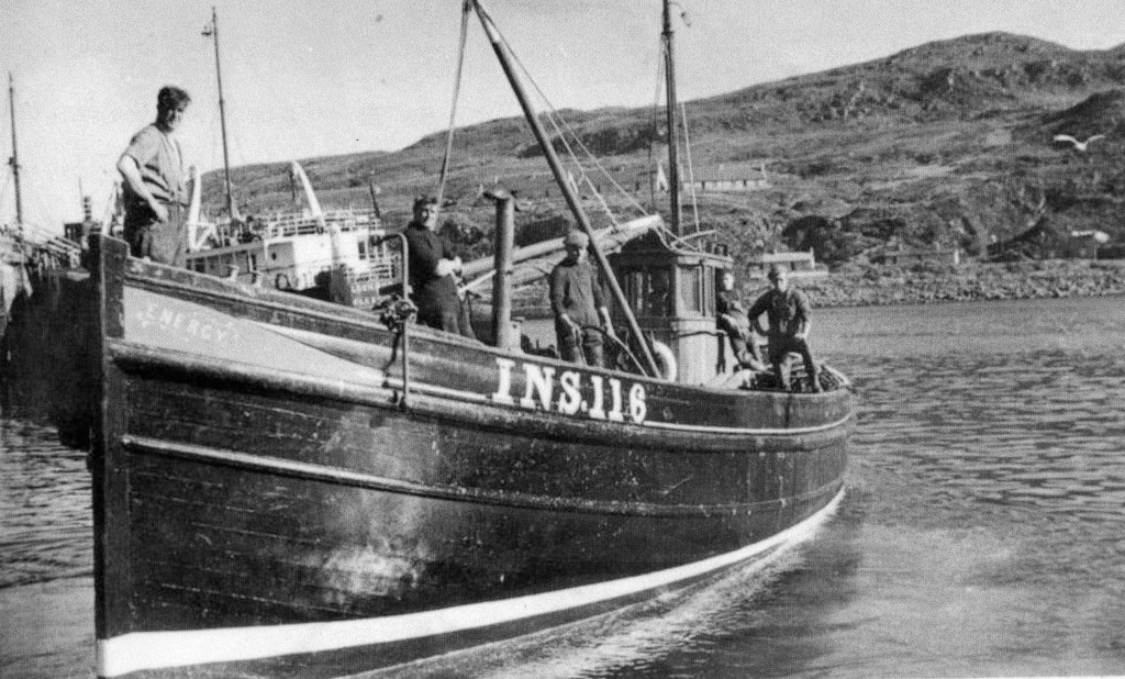 1949 - INS 113 Energy & crew L-R John Sutherland,Danny (Doo) Ralph, Daniel George Sutherland, Donald Jack,xxx